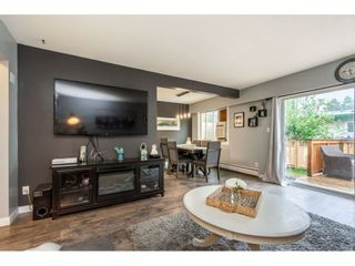 "Photo 3: 6 33918 MAYFAIR Avenue in Abbotsford: Central Abbotsford Townhouse for sale in ""Clover Place"" : MLS®# R2385034"