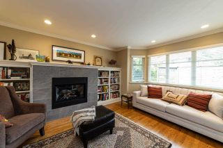 Photo 15: 2571 NEWMARKET Drive in North Vancouver: Edgemont House for sale : MLS®# R2460587