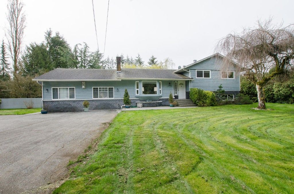 Photo 2: Photos: 24700 50 Avenue in Langley: Salmon River House for sale