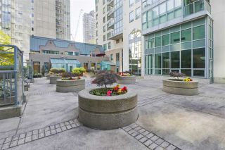 """Photo 19: 1203 1238 MELVILLE Street in Vancouver: Coal Harbour Condo for sale in """"Pointe Claire"""" (Vancouver West)  : MLS®# R2488027"""