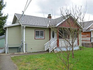 """Main Photo: 404 KELLY Street in New Westminster: Sapperton House for sale in """"SAPPERTON"""" : MLS®# V1054977"""