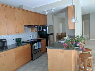 "Photo 5: 601 1580 MARTIN Street: White Rock Condo for sale in ""Sussex House"" (South Surrey White Rock)  : MLS®# R2361568"