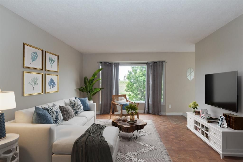 Spacious and Bright Main Floor Living