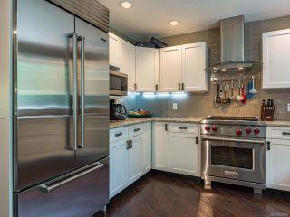 Photo 4: 879 Eastwicke Cres in COMOX: CV Comox (Town of) House for sale (Comox Valley)  : MLS®# 842967