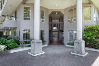 """Photo 4: 206 1988 MAPLE Street in Vancouver: Kitsilano Condo for sale in """"The Maples"""" (Vancouver West)  : MLS®# R2588071"""