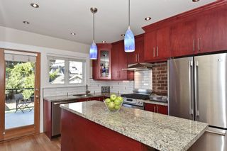 """Photo 7: 567 W 22ND Avenue in Vancouver: Cambie House for sale in """"DOUGLAS PARK"""" (Vancouver West)  : MLS®# R2049305"""