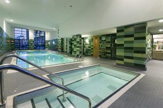"""Photo 14: 1705 33 SMITHE Street in Vancouver: Yaletown Condo for sale in """"COOPERS LOOKOUT"""" (Vancouver West)  : MLS®# R2129827"""