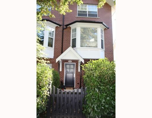 """Main Photo: 852 W 15TH Avenue in Vancouver: Fairview VW Townhouse for sale in """"REDBRICKS"""" (Vancouver West)  : MLS®# V790178"""