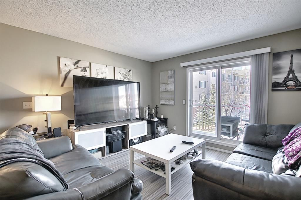 Photo 11: Photos: 2211 43 Country Village Lane NE in Calgary: Country Hills Village Apartment for sale : MLS®# A1085719