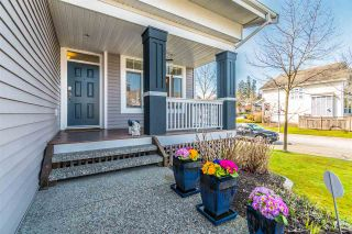 """Photo 3: 20474 67B Avenue in Langley: Willoughby Heights House for sale in """"Tanglewood"""" : MLS®# R2560481"""