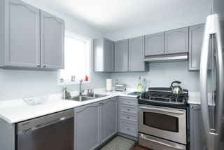Photo 9: 14 Manhattan Crescent in Ottawa: Central Park House for sale