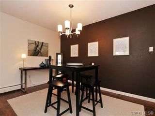 Photo 4: 205 1040 Rockland Ave in VICTORIA: Vi Downtown Condo for sale (Victoria)  : MLS®# 668312
