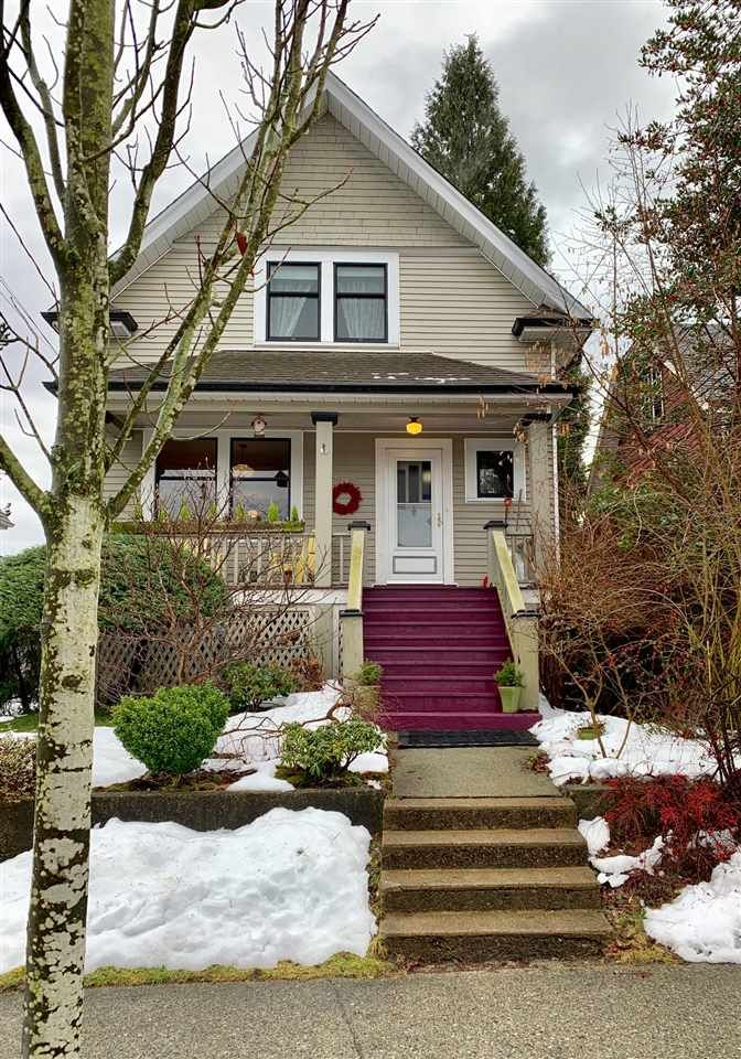 """Main Photo: 228 SIXTH Avenue in New Westminster: Queens Park House for sale in """"Queens Park"""" : MLS®# R2429899"""