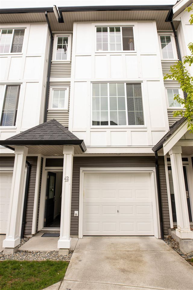 """Main Photo: 42 30989 WESTRIDGE Place in Abbotsford: Abbotsford West Townhouse for sale in """"Brighton"""" : MLS®# R2587610"""