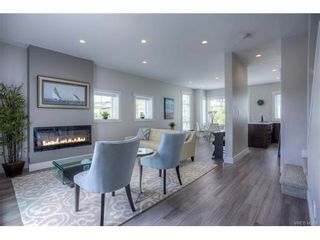 Photo 2: 112 2737 Jacklin Rd in VICTORIA: La Langford Proper Row/Townhouse for sale (Langford)  : MLS®# 747368