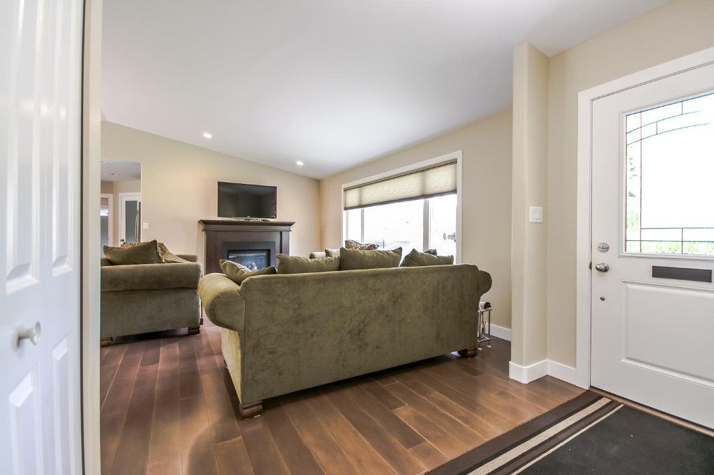 Photo 12: Photos: 4369 200a Street in Langley: Brookswood House for sale : MLS®# R2068522