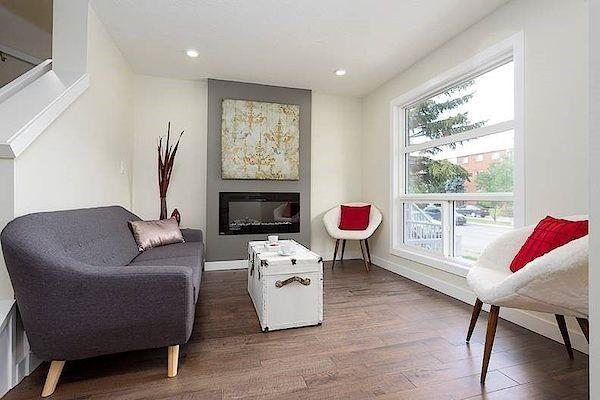Main Photo: 9719 82 Avenue in Edmonton: Zone 17 Townhouse for sale : MLS®# E4266490