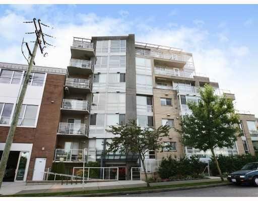 Main Photo: # 207 1818 W 6TH AV in Vancouver: Condo for sale : MLS®# V746728