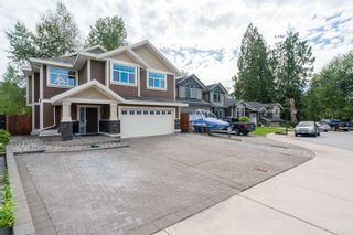 Photo 2: 4026 JOSEPH Place in Port Coquitlam: Lincoln Park PQ House for sale : MLS®# R2617578