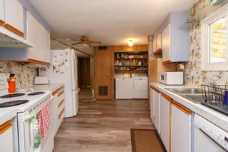 Photo 8: 37 1393 Craigflower Rd in : VR View Royal Manufactured Home for sale (View Royal)  : MLS®# 874706