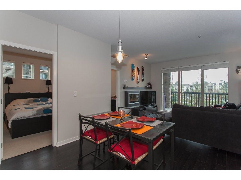 """Photo 8: Photos: 210 5655 210A Street in Langley: Salmon River Condo for sale in """"CORNERSTONE NORTH"""" : MLS®# R2152844"""