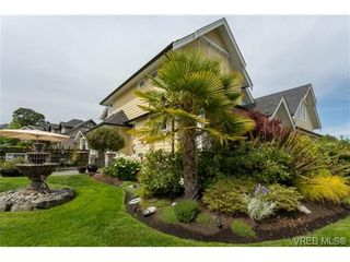 Photo 3: 3996 South Valley Dr in VICTORIA: SW Strawberry Vale House for sale (Saanich West)  : MLS®# 703006
