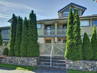 Photo 1: 3006 Scott St in VICTORIA: Vi Oaklands Row/Townhouse for sale (Victoria)  : MLS®# 620524