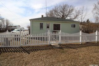 Photo 1: 317 2nd Avenue East in Watrous: Residential for sale : MLS®# SK849485