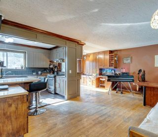 Photo 8: 71 Columbia Place NW in Calgary: Collingwood Detached for sale : MLS®# A1135590