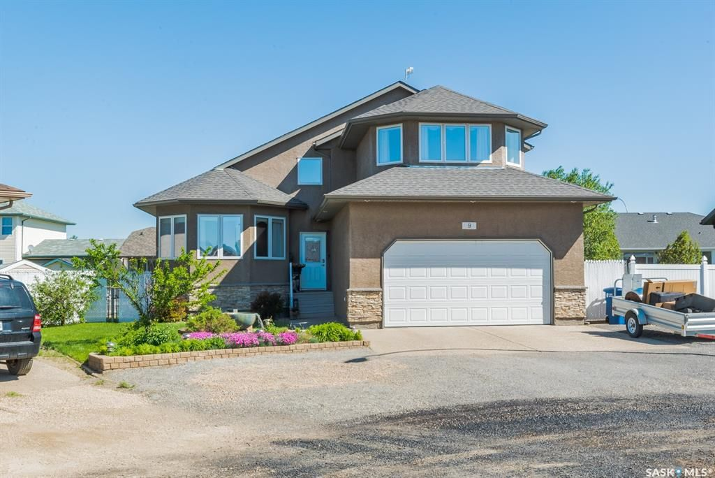 Main Photo: 9 Brayden Bay in Grand Coulee: Residential for sale : MLS®# SK860140