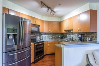 """Photo 3: 118 20750 DUNCAN Way in Langley: Langley City Condo for sale in """"Fairfield Lane"""" : MLS®# R2140280"""