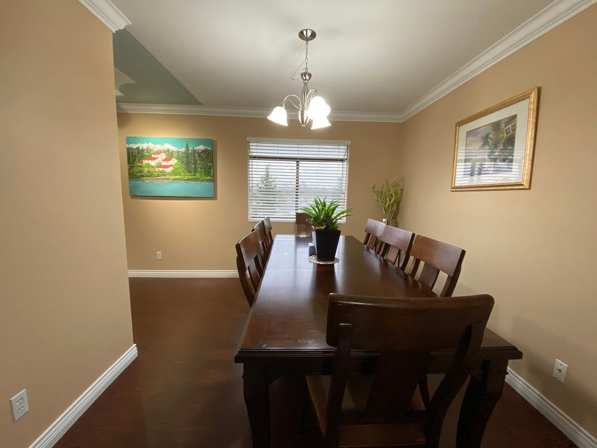 Photo 4: Photos: Upper 3293 Horn St. in Abbotsford: Central Abbotsford House for rent