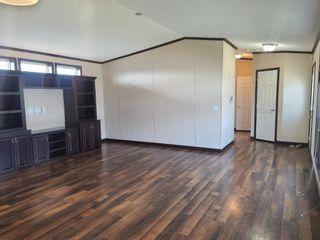 Photo 2: 4511 Snowbird Lane: Cold Lake Mobile for sale : MLS®# E4260570