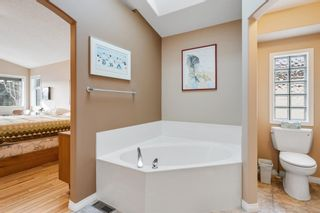 Photo 18: 10971 Valley Springs Road NW in Calgary: Valley Ridge Detached for sale : MLS®# A1081061