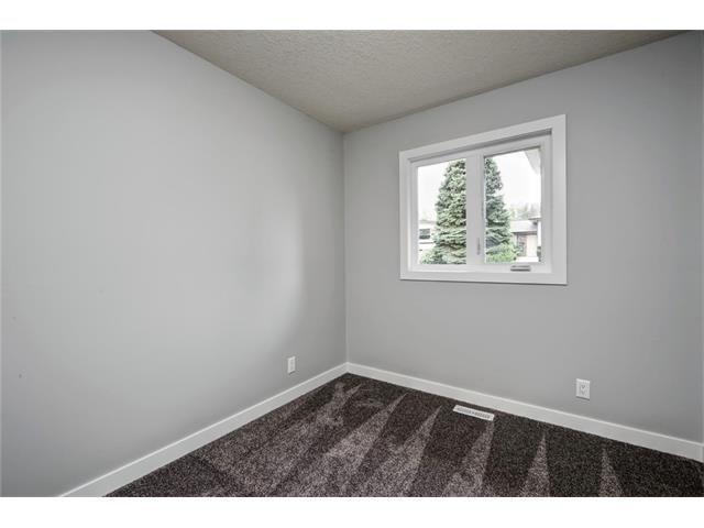 Photo 33: Photos: 448 CEDARPARK Drive SW in Calgary: Cedarbrae House for sale : MLS®# C4084629