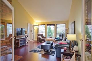 Photo 9: 95 Caton Pl in View Royal: VR View Royal House for sale : MLS®# 865555
