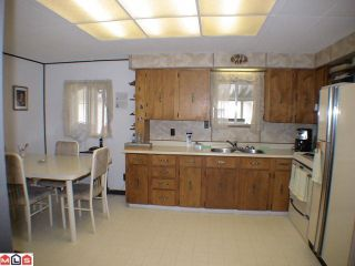 """Photo 3: 93 24330 FRASER Highway in Langley: Otter District Manufactured Home for sale in """"Langley Grove estates"""" : MLS®# F1112607"""