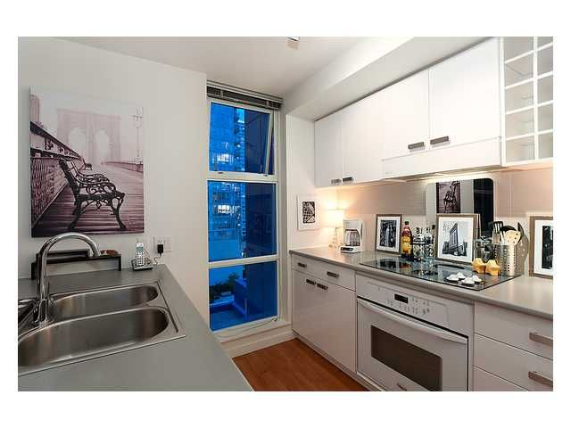 """Photo 2: Photos: # 706 111 W GEORGIA ST in Vancouver: Downtown VW Condo for sale in """"111 WEST GEORGIA"""" (Vancouver West)  : MLS®# V911690"""