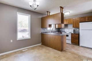 Photo 4: 2 Gray Avenue in Saskatoon: Forest Grove Residential for sale : MLS®# SK859432