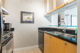 """Photo 8: 901 1003 BURNABY Street in Vancouver: West End VW Condo for sale in """"Milano"""" (Vancouver West)  : MLS®# R2498436"""