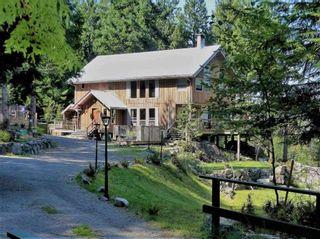 Photo 2: 894 BOLTON Road: Bowen Island House for sale : MLS®# R2433387