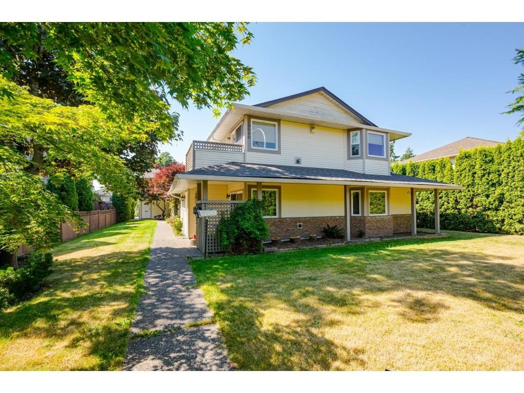 Main Photo: 4 19690 56 Avenue in Langley: Langley City Townhouse for sale : MLS®# R2596203