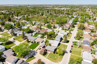 Photo 37: 194 Whitegates Crescent in Winnipeg: Westwood Residential for sale (5G)  : MLS®# 202113128
