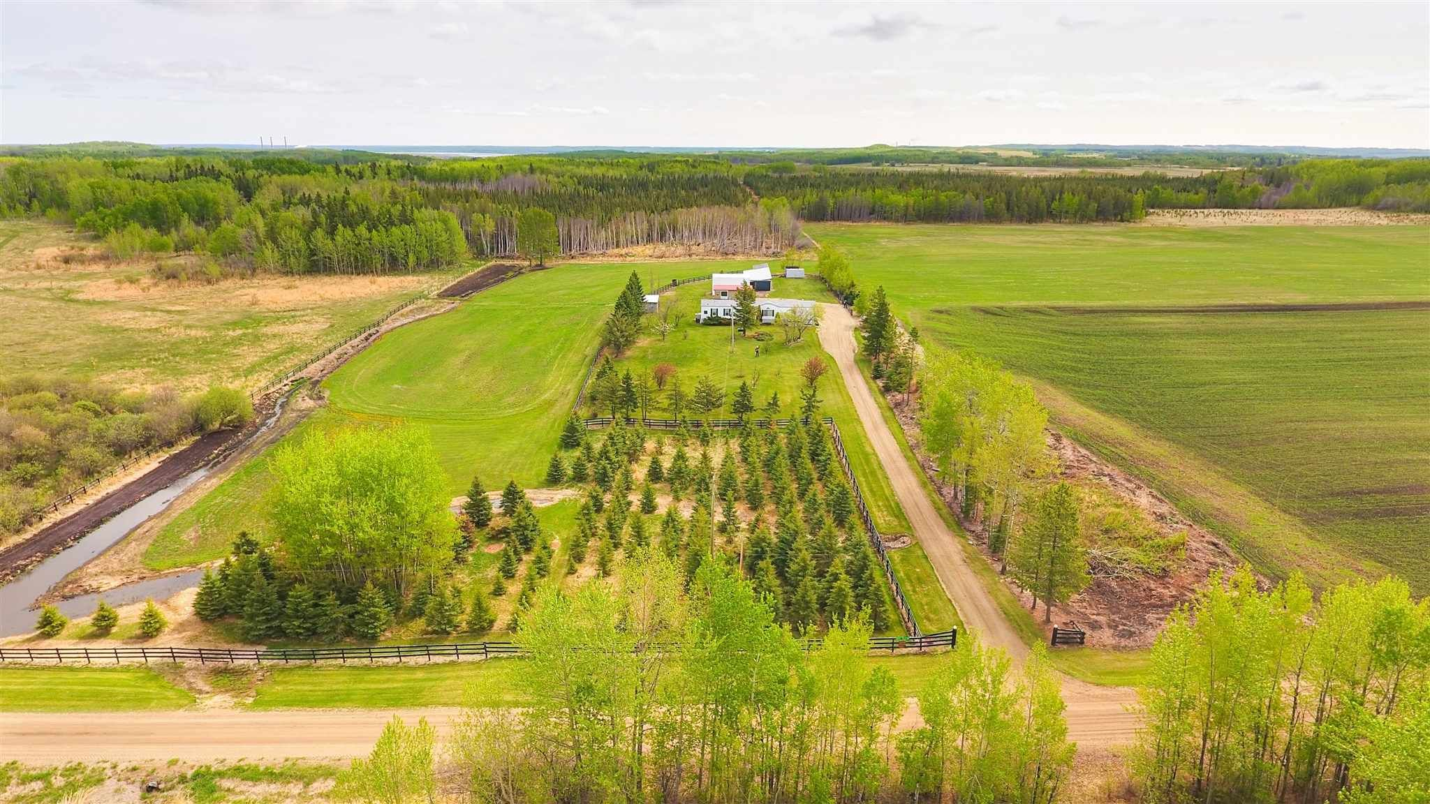 Main Photo: 52117 RGE RD 53: Rural Parkland County House for sale : MLS®# E4246255