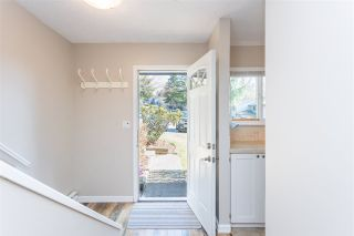 """Photo 2: 853 BLACKSTOCK Road in Port Moody: North Shore Pt Moody Townhouse for sale in """"WOODSIDE VILLAGE"""" : MLS®# R2447031"""