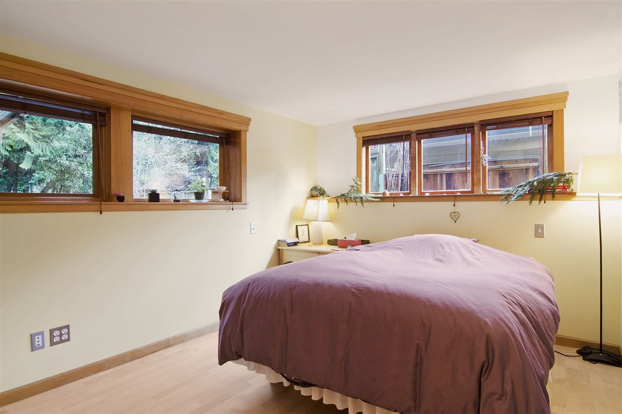 Photo 16: Photos: 1190 SINCLAIR Street in West Vancouver: Ambleside House for sale : MLS®# R2027738