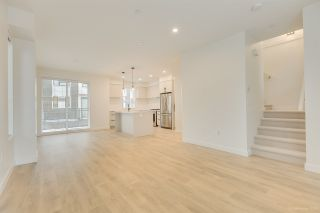 """Photo 11: 104 3021 ST GEORGE Street in Port Moody: Port Moody Centre Townhouse for sale in """"GEORGE"""" : MLS®# R2474134"""