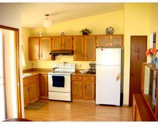 Photo 2: 81 GARTON Avenue in WINNIPEG: Maples / Tyndall Park Single Family Detached for sale (North West Winnipeg)  : MLS®# 2717154