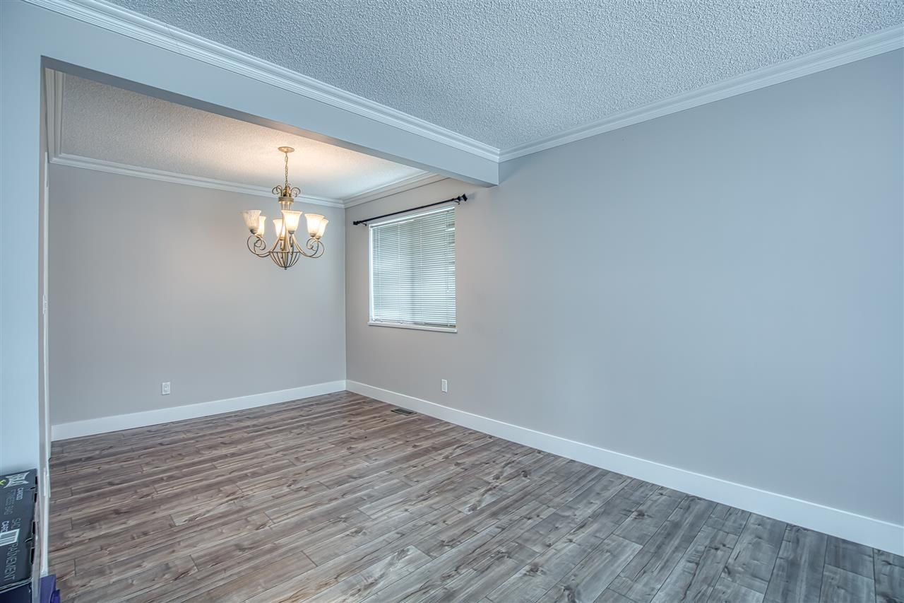"""Photo 12: Photos: 8137 WILTSHIRE BOULEVARD Boulevard in Delta: Nordel House for sale in """"Canterbury Heights"""" (N. Delta)  : MLS®# R2474823"""