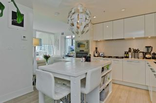 Photo 5: 1402 901 10 Avenue SW in Calgary: Beltline Apartment for sale : MLS®# A1102204